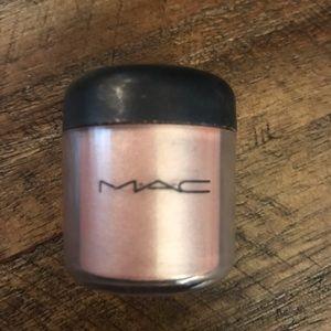 *Rare Mac deckchair pigment